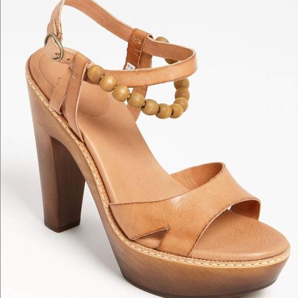 f75bc3d0ddf UGG Shoes -  Ugg  Namia beaded platform sandal - Size 9